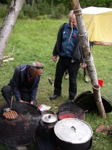 Lägrets enklaste rätt, köttbullar med pasta