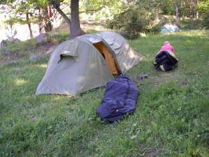 Grävlingen besökte ett av Äventyrarnas tält när scouterna inte kom ut i tid till frukost...